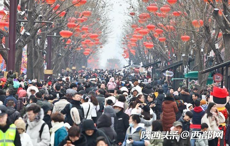 1月16日、2019年全国「文化・科技・衛生の『三下郷(三つを農村へ)』」デモンストレーションツアーが漢中市略陽県でスタート
