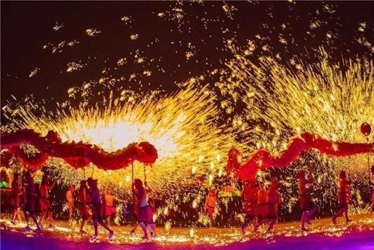 龍舞(写真提供:西安曲江新区管理委員会)