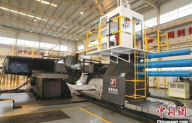 アジア最大の横型スピニングマシンが西安で完成 中国の重大装備製造業の空白を埋める