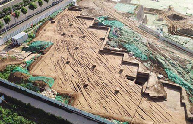 西安新寺遺跡で漢代道路を発見 長門宮遺跡に関連の可能性