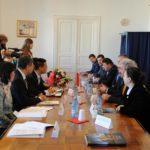 陝西省がルーマニアのフネドアラ県と友好都市関係を締結